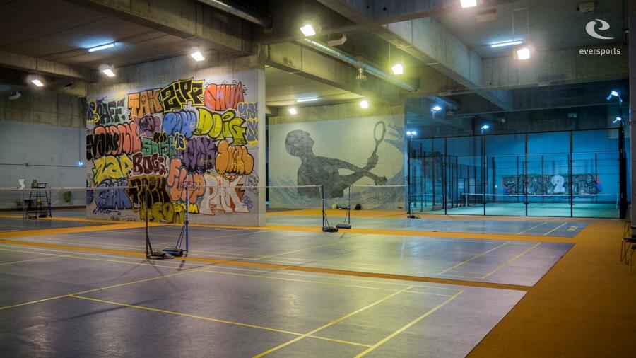 Die vielen Räume bieten eine einzigartige Atmosphäre und reichlich Platz für alle angebotenen Sportarten.